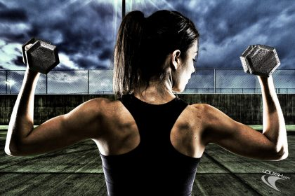 woman-doing-free-weights